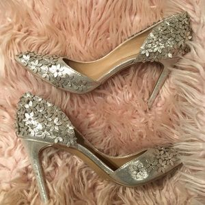 Gold heels INC. international concepts size 6